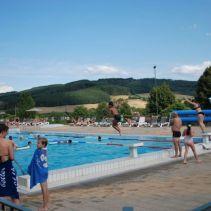 piscine-matour-tobogan-900.jpg